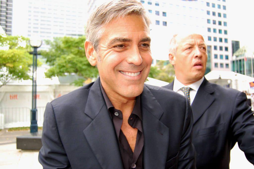 George-Clooney-geeft-geld