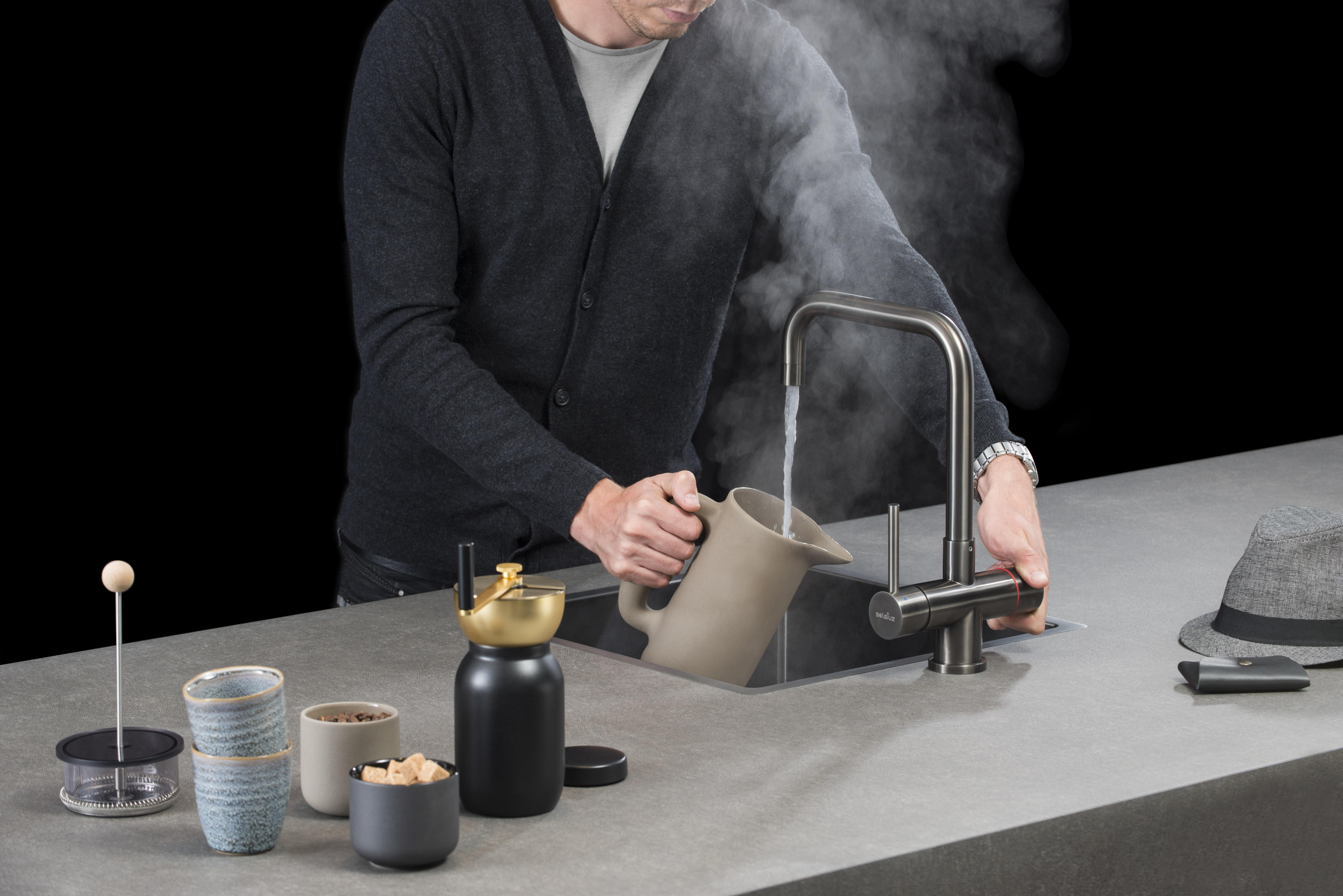 Veiligheid Van Kokendwaterkranen : Hot: de ultieme keukenhulp bernie